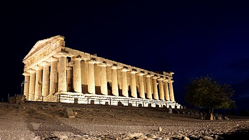 Temple of Concordia in Sicilia at night 05