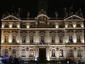 Hôtel de Ville, Lyon - Image: Terreaux Hoteldeville Lyon bynight