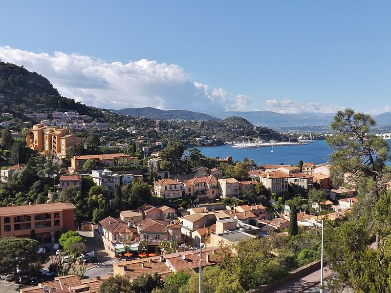 Sight of the French commune and village of Théoule-sur-Mer, with Mandelieu-la-Napoule at the background, on the Riviera Coast, in Alpes-Maritimes.