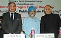 The Deputy Chairman, Planning Commission, Shri Montek Singh Ahluwalia, the Minister for New and Renewable Energy, Shri Vilas Muttemwar and the Chairman, Steering Group, NHEB.jpg