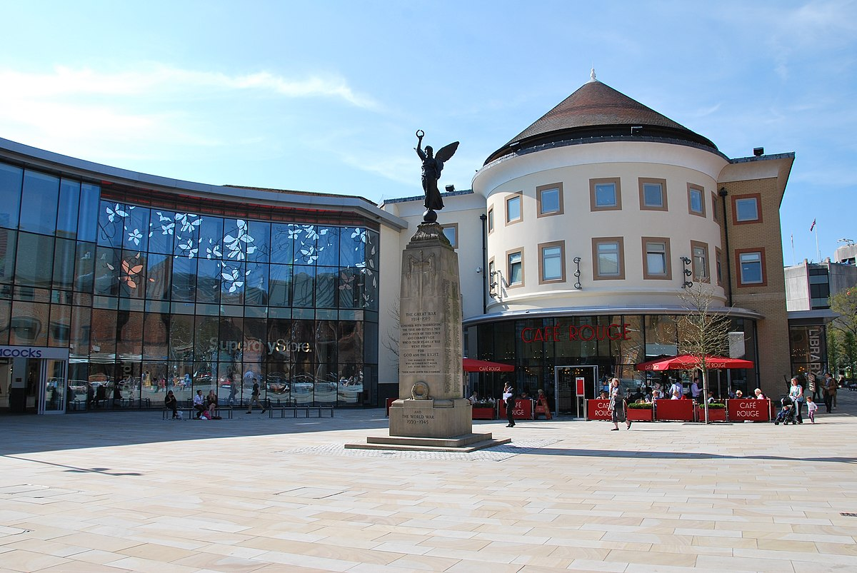 The Great War monument, Jubilee Square, Woking England.jpg