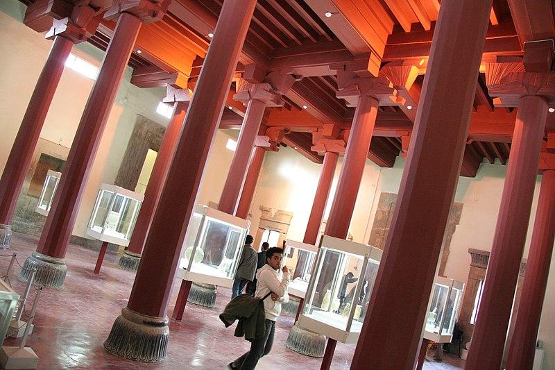 پرونده:The museum of Persepolis.jpg