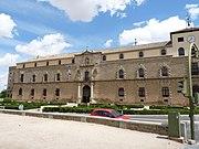 Toledo - Palacio de Tavera - Fachada.JPG