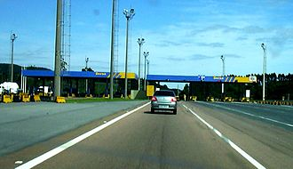 Highway system of São Paulo - Typical DERSA toll gates at the Rodovia Dom Pedro I