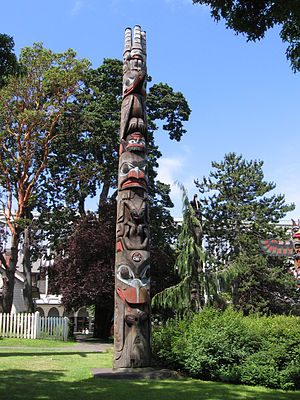 Canadian art - Haida totem pole, Thunderbird Park, British Columbia