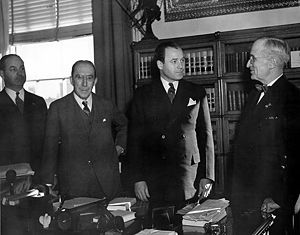 J. Howard McGrath - McGrath (middle) with Theodore Francis Green (middle left) and Harry S. Truman (far right).