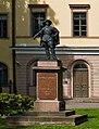Turun hovioikeus (statue).jpg