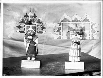 Hopi Kachina figure - Two Hopi Indian kachina dolls (male and female), ca.1900