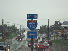US-KY - Arlington - North America - Road Trip - Arrow - The South - Rain (4892064702).jpg