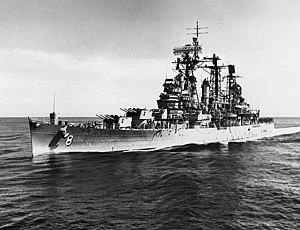 USS Topeka (CLG-8) underway 1964.jpg