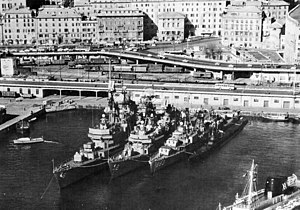 US Navy destroyers at Genoa in 1961.jpg