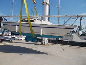 US Yachts US 22 - US 22 SD showing the shoal keel