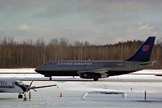 United 737 at Syracuse.jpg