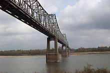 Us82 Greenville Bridge.jpg