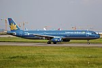 VN-A331 - Vietnam Airlines - Airbus A321-231 - CAN (14809369112).jpg