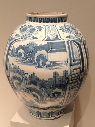 Blue and white pottery - Dutch delftware vase in a Japanese style, c. 1680