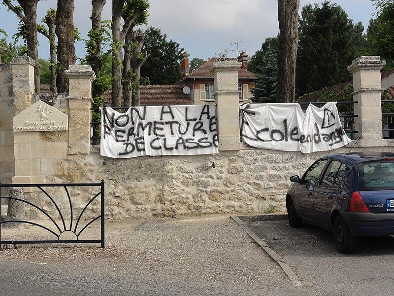 Vauxbuin (Aisne) école, manifestation contre la fermeture