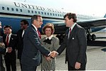 Vice President Bush arrives San Francisco, CA, for a campaign rally. 14 Sep 88.jpg