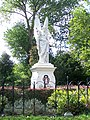 Victoria Monument Franz Stracké Alkmaar Damaged.JPG