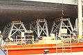 Vigo Soldando el portaaviones HMAS Adelaide sobre el buque-plataforma Blue Marlin (11359073565).jpg