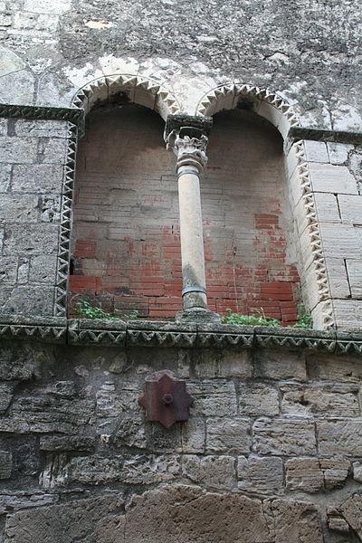 Villemagne-l'Argentière (Hérault, Languedoc-Roussillon, France) - Maison des Monnaies - fenêtre 3