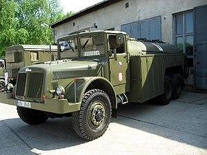 Tatra 111 - Image: Vojenská Tatra