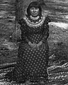 Western-educated Paiute indian girl, Yosemite Valley, 1902 (CHS-920) (cropped).jpg