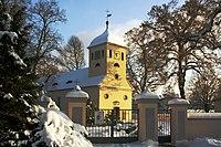 Winterliche Dorfkirche von Kladow.jpg