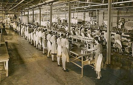Women working in a cannery Women working in a cannery.jpg