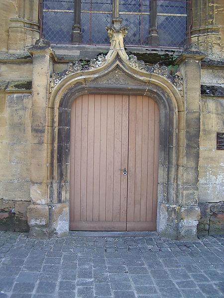 File:Église Sainte-Onésime de Donchery 1.JPG