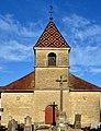 Église de l'Assomption de Courlaoux (Jura, France) et croix de cimetière (inscrite aux monuments historiques).jpg