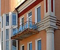 Дом с аркой (балкончик) Курск ул. Дзержинского.jpg
