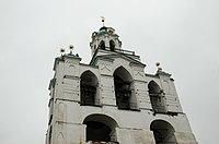 Звонница с церковью Богоматери Печерской.jpg