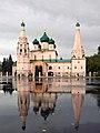 Осенние отражения колокольни и церкви.jpg