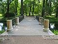 Пушкин. Александровский парк. Мост на протоке пруда Озерки03.jpg