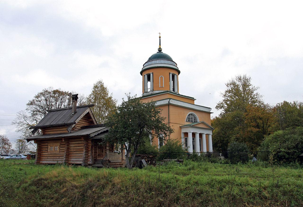 Крестовоздвиженский храм в с. Воздвиженское