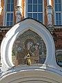 Троице-Сергиева пустынь. Братский корпус с Надвратной церковью св. Саввы Стратилата06.jpg