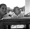 בית-זרע 1940 בערך- נועה כרמל ותינוקת לא מזוהה - iוינטרשטייןi btm11409.jpeg