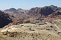 الجبال المحيطة بمدينة البتراء - panoramio.jpg