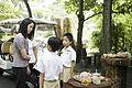 นางพิมพ์เพ็ญ เวชชาชีวะ ภริยา นายกรัฐมนตรี ณ Singapore Botanic Gardens - Jacob B - Flickr - Abhisit Vejjajiva (31).jpg