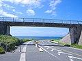 夏空、歩道橋 - panoramio.jpg
