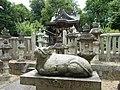 広陵町三吉(赤部) 菅原神社の本殿と座牛 2012.6.07 - panoramio.jpg