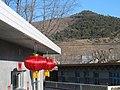 挂红灯笼过年 - panoramio.jpg