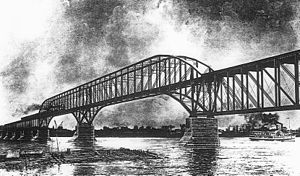 Saint-Laurent Railway Bridge - 1885 bridge.