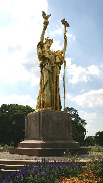 Replica of Daniel Chester French's Statue of the Republic at the site of the World's Columbian Exposition. 2004-08-08 1580x2800 chicago republic.jpg