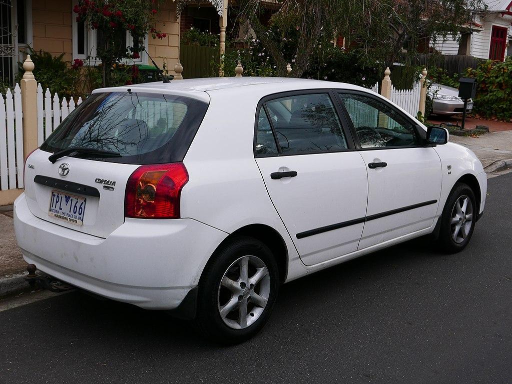 2005 toyota corolla le sedan 1 8l auto. Black Bedroom Furniture Sets. Home Design Ideas