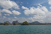 2016 Prowincja Krabi, Widoki ze statku płynącego na trasie Ao Nang - Ko Lanta Yai (09).jpg