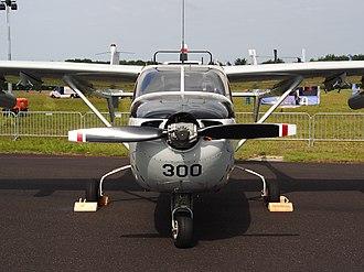 Cessna O-2 Skymaster - The O-2 lacks the 337 propeller spinner