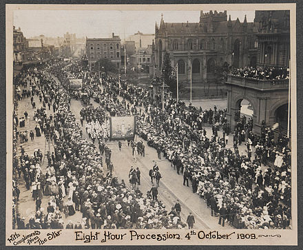 Procession in support of an eight-hour work day, George Street, Sydney, 4 October 1909 8hourday.jpg