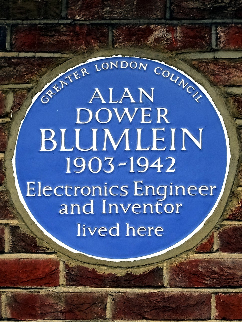 ALAN DOWER BLUMLEIN 1903-1942 Electronics Engineer and Inventor lived here
